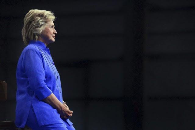 Hillary Clintonest créditée de 47,7% des voix contre... (PHOTO Butch Comegys, AP/The Times & Tribune)