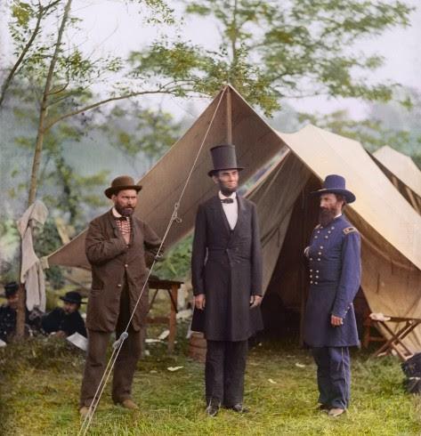 Abraham Lincoln com o Major General McClernand e Allan Pinkerton, em Antietam, em 1862