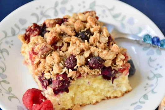 Mixed Berry Crumble Cake - Zesty South Indian Kitchen