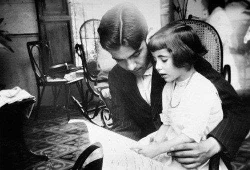 rimeswriting:  I love how this photograph captures the delicate intimacy embedded in the act of reading together, re-telling to each other. Federico García Lorca with his sister. Photograph courtesy ofinneroptics.