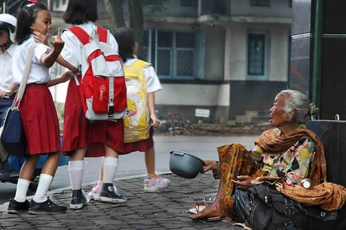 Digit & beggar