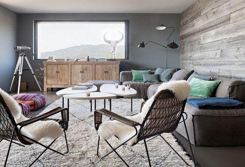 Sala de estar de La casa de la colina en Córcega