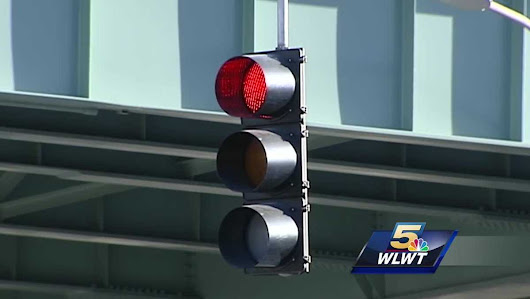 New Ohio law allows running red lights in certain cases