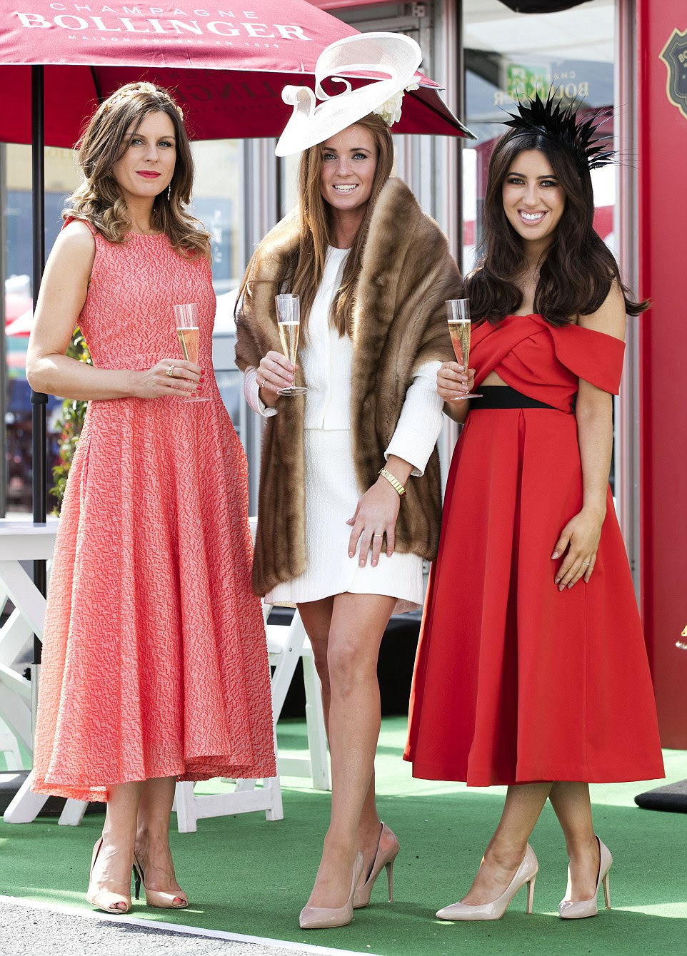 punchestown festival women look elegant for ladies day