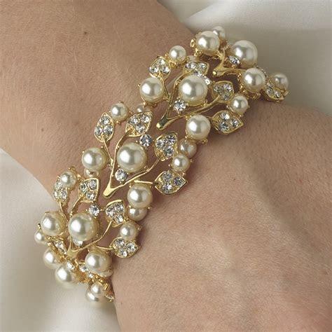 Gold Ivory Vintage Stretch Pearl & Rhinestone Bracelet B 969