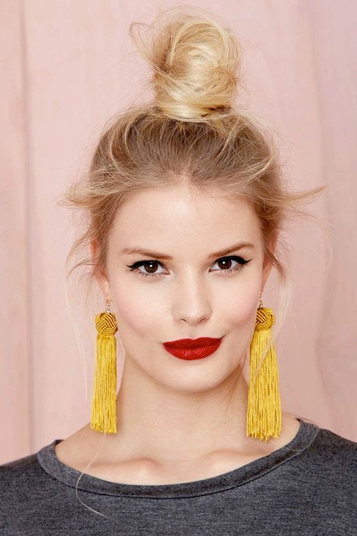 14 Le Fashion Blog 15 Crazy Cool Top Knots Bun Up Do Blonde Hair Hairstyle Inspiration Drop Earrings Nasty Gal photo 14-Le-Fashion-Blog-15-Crazy-Cool-Top-Knots-Bun-Up-Do-Blonde-Hair-Hairstyle-Inspiration-Drop-Earrings-Nasty-Gal.jpg