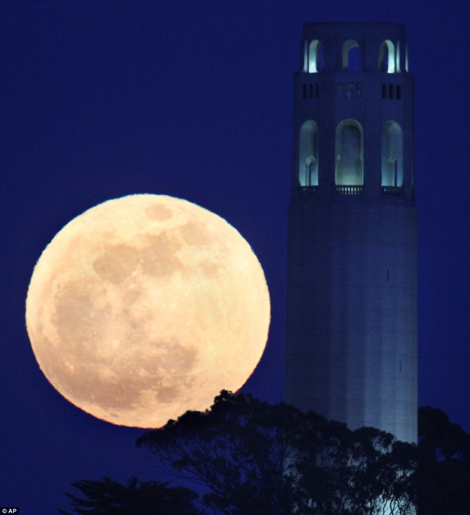 Dominating: North in San Francisco, the moon challenges Coit Tower
