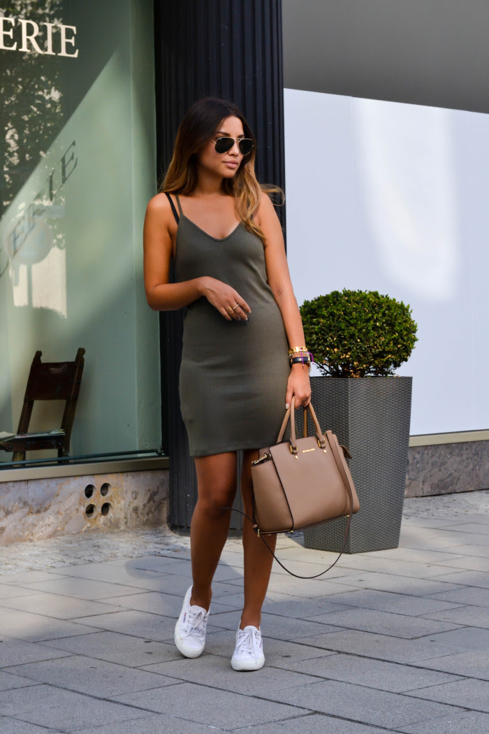 Near bodycon dress is a like what list india