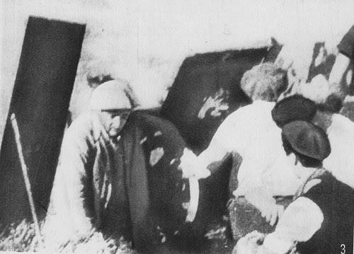 Fuerzas de artillería republicanas disparan contra el Alcázar desde el Castillo de San Servando. 22 de julio de 1936