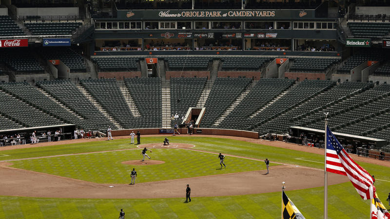 http://www.trbimg.com/img-55413ca1/turbine/la-sp-ghost-game-at-camden-yards-pictures-2015-016/800/800x450