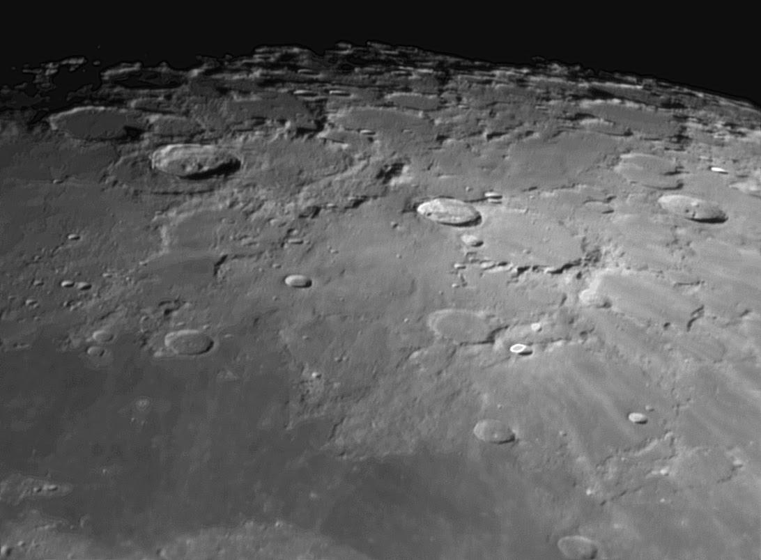 perierga.gr - Γιγαντιαίος σωλήνας λάβας στο φεγγάρι, το σημείο για τις πρώτες σεληνιακές αποικίες