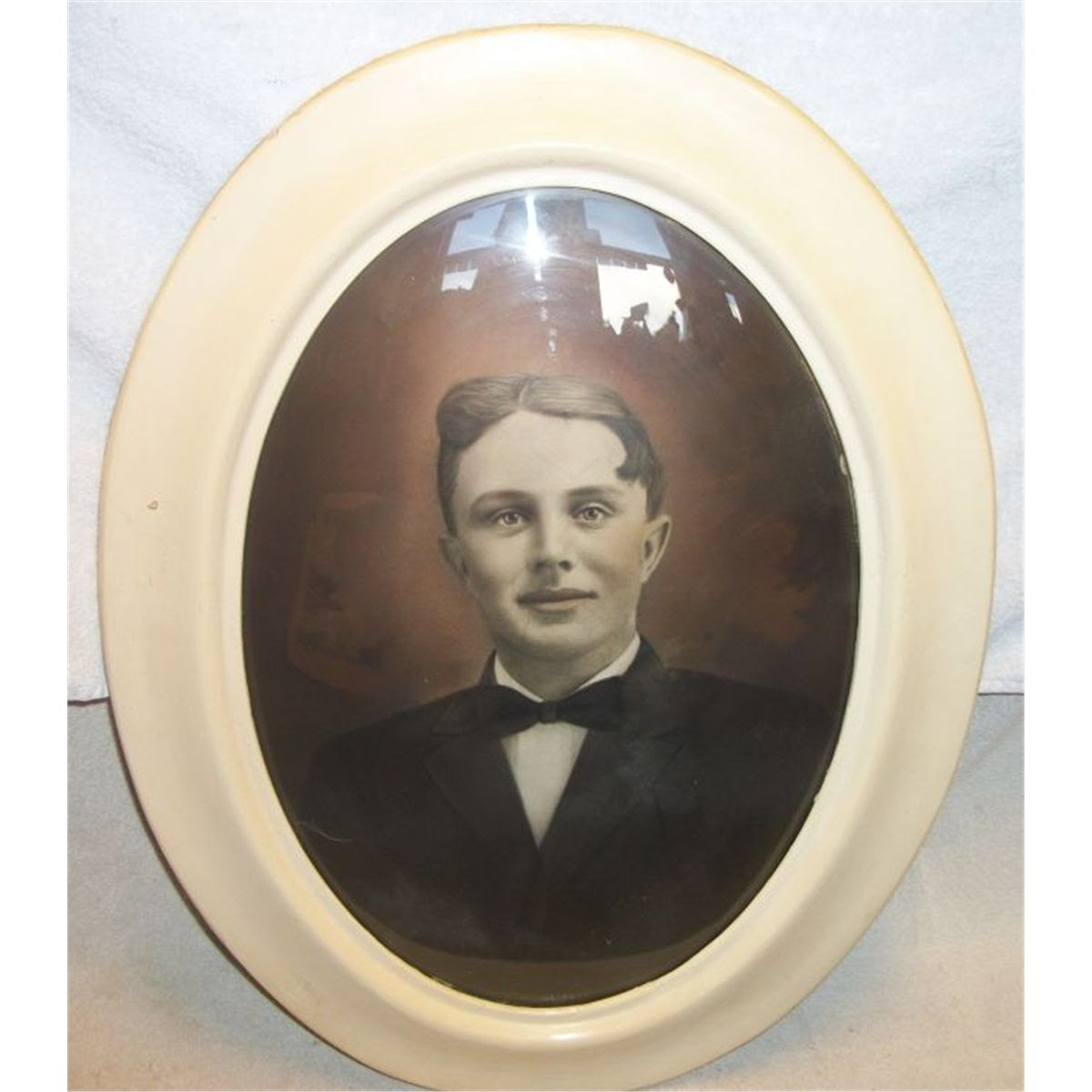 27 Portrait Of Male In Oval Convex Glass Frame 16w X 20t