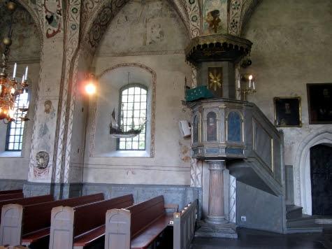 Täby kyrka