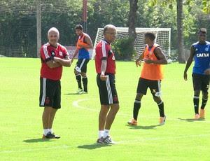 Marcelo Buarque e Jayme de Almeida no treino do Flamengo (Foto: Thales Soares)