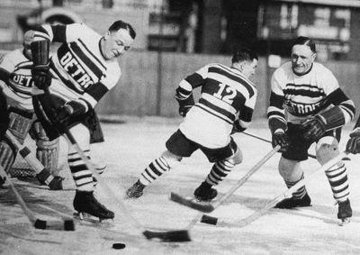 Detroit_Cougars_1927-28