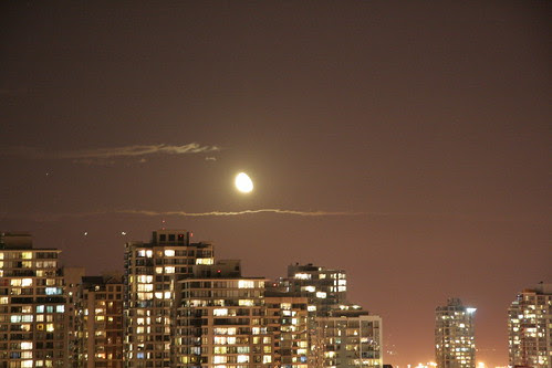 October moonrise, Vancouver