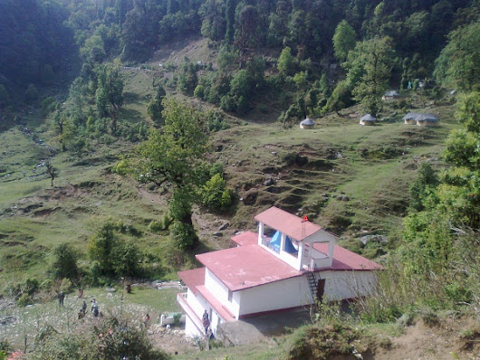 Uttarakhand News- A Family Find New Hotel in Uttarakhand Nearby Chopta