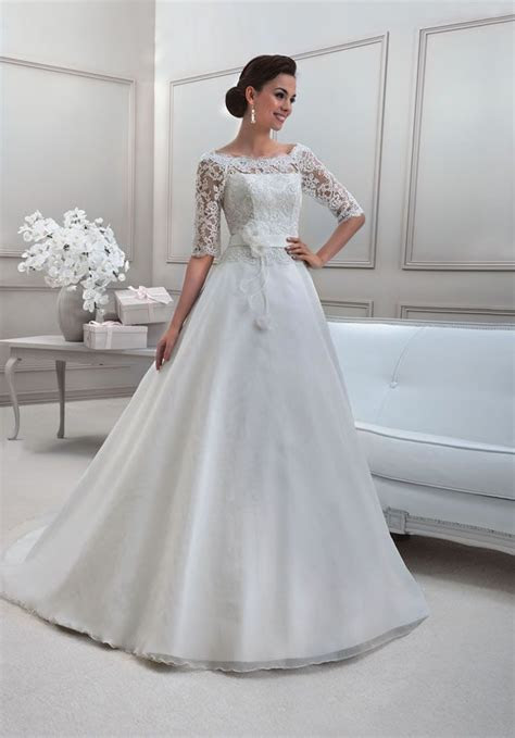 Wedding Dresses for Older Brides   Amazing Dresses