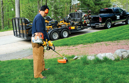 2017 Product Roundup: Handheld Equipment & String Trimmers