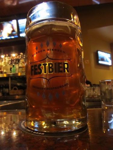 0.5 liters of Oktoberfest (01)