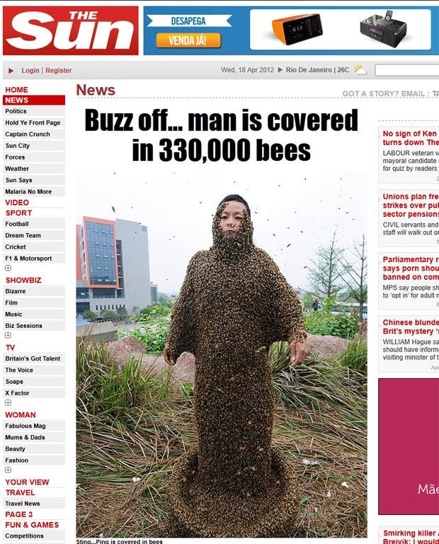 She Ping, de 32 anos, cobriu o corpo com impressionantes 330 mil abelhas. (Foto: Reprodução/The Sun)