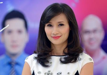 """Bài trả lời phỏng vấn của nhà báo Lê Bình làm dấy lên sự quan tâm của công luận về cái gọi là """"hợp đồng truyền thông"""" trên báo chí. Minh họa: Bà Lê Bình tại sự kiện ra mắt VTV24 - Ảnh: Anh Tuấn"""