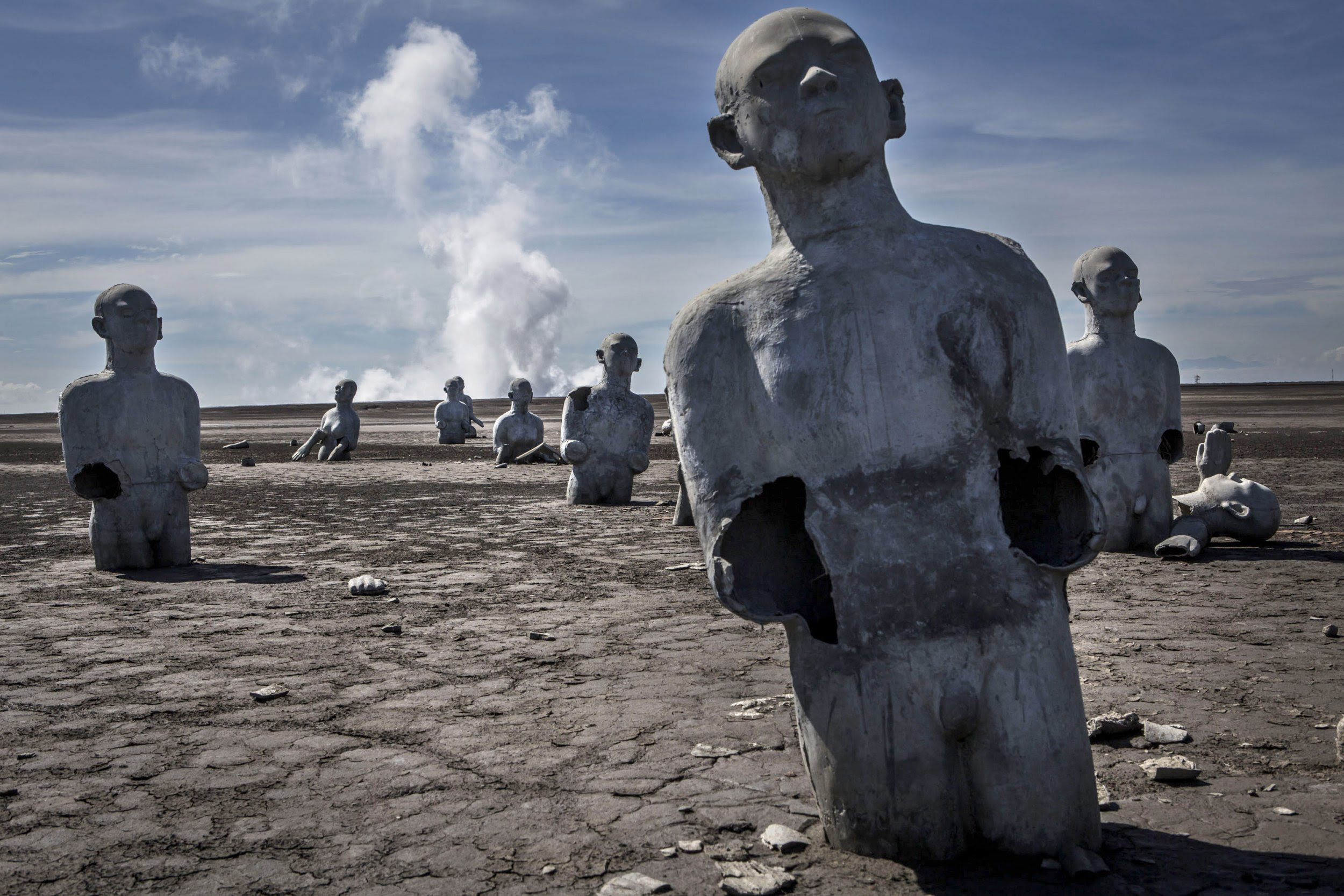 Indonesia: Mud Volcano That Swallowed a Town and Has Been Erupting for 11 Years Baffles Scientists