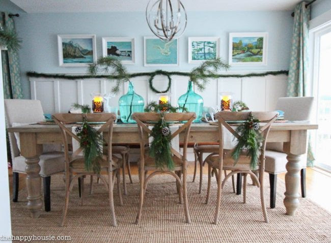 lake-cottage-christmas-tablescape