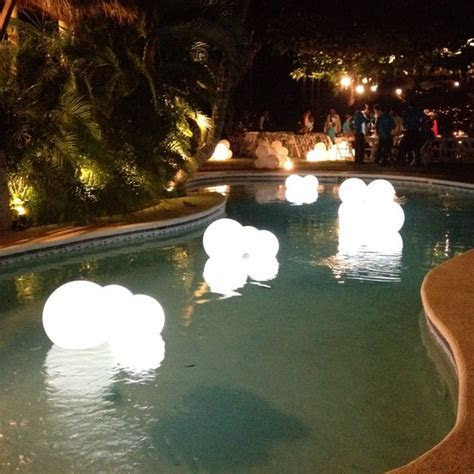 Swimming pool decor for outside weddings WP Eventos Mexico