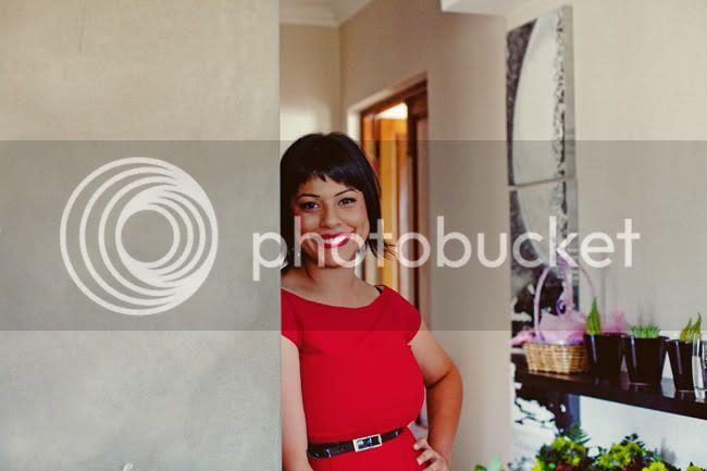 http://i892.photobucket.com/albums/ac125/lovemademedoit/TN_autumnwedding_009.jpg?t=1306494123