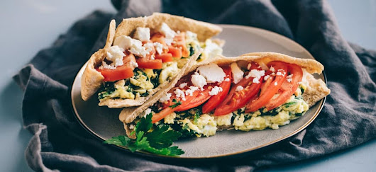 Healthy Breakfast Sandwich: Egg Pita with Feta and Spinach