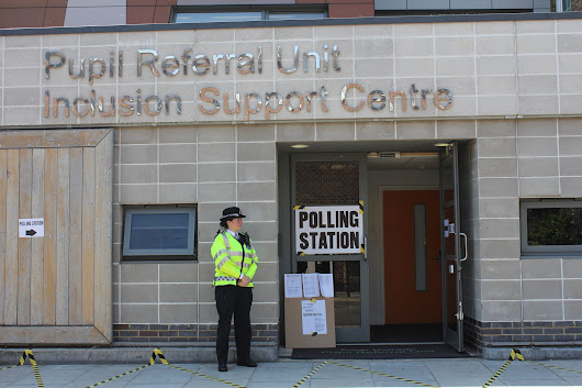 Tower Hamlets Elects: Riot Police, Warning Signs, and a London Borough on Edge - Breitbart