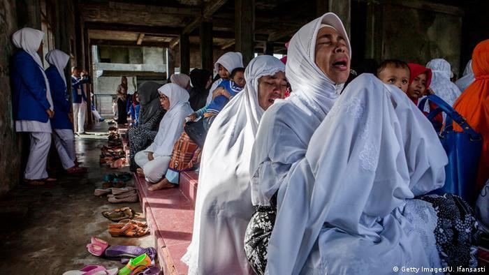 Zehn Jahre nach Tsunami in Banda Aceh Indonesien (Getty Images/U. Ifansasti)