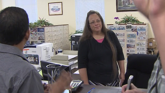 Kim Davis, Kentucky clerk blocking gay marriages, is due in court