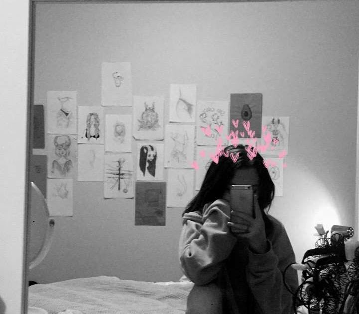 Snapchat Aesthetic Selfie Poses No face mirror selfie ideas | mirror selfie dpz for girls. snapchat aesthetic selfie poses
