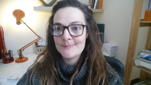 "Liz Pendleton on Twitter: ""Much screen time means I'm going blinder and need specs. Luckily they also seem to add IQses to my appearance. """