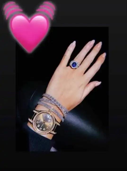 Ronaldo's Girlfriend, Shows Off Diamond Jewellery Worth N320 Million