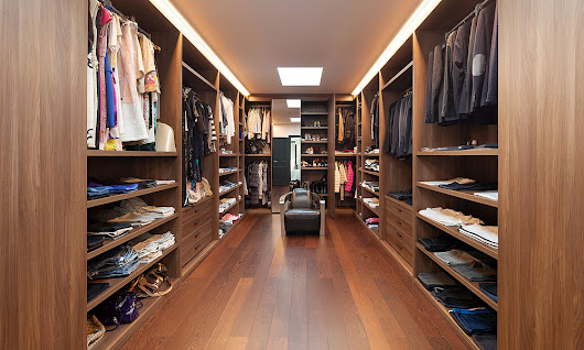 14 Must-Have Walk-In Closet Design Features