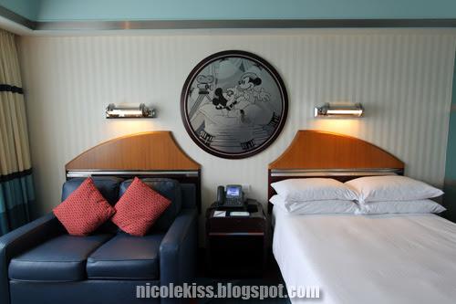 hollywood hotel room