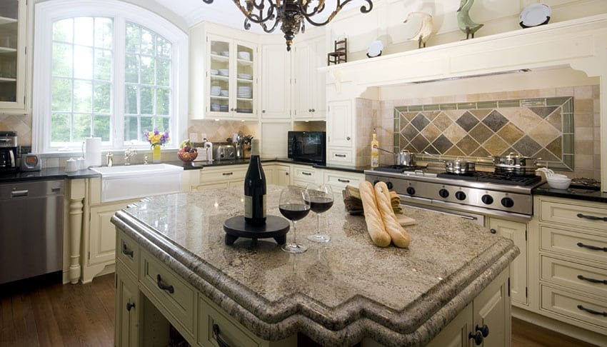 Antique White Kitchen Cabinets (Design Photos) - Designing ...