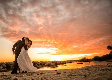 Insanely Beautiful Navy Engagement PicturesInsanely