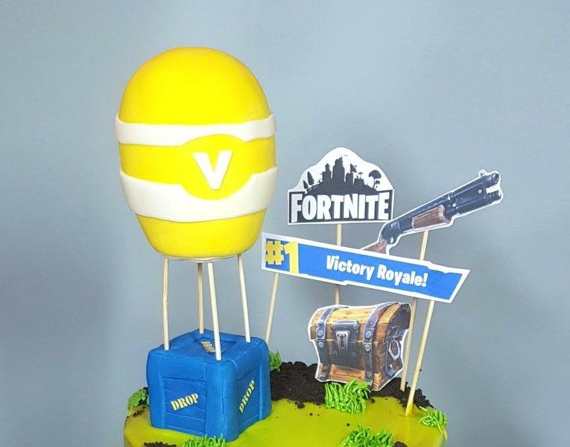 Fortnite Birthday Cake Backpack | Fortnite Season 9 Loading