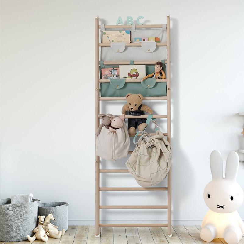 Thang gỗ trong phòng trẻ