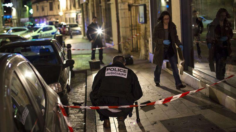 Sur le lieu de l'attaque, à Dijon, le 21 décembre.