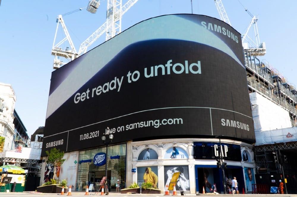 Galaxy Unpacked digital signages take over urban hotspots worldwide