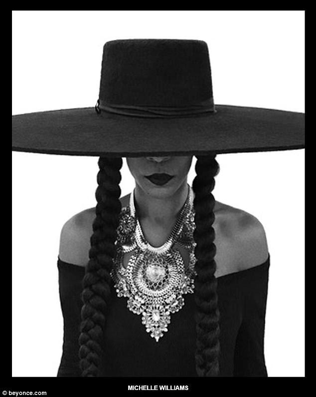 Para sempre amigos: o ex-companheiro de banda Destiny's Child, Michelle Williams, também vestiu o chapéu negro de alças largas e duas tranças longas para a sessão de fotos em dedicação ao amigo de longa data