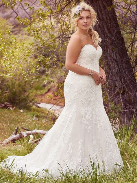 Flattering Wedding Dresses for Curvy Brides   The Dress