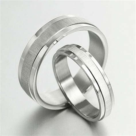 Groom / Bride Plain Matching Wedding Engagement Bands