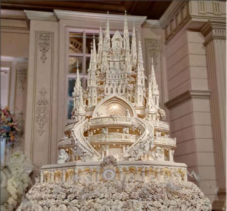 Indonesian couple make magnificent castle cake for