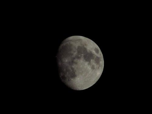 moon outside the moonlight inn